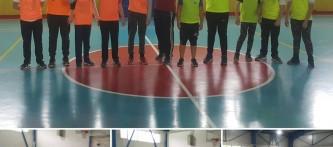 """""""Beslenme Dostu Okul"""" ve """"eTwinning – Mavi Kart (Fair-Play )"""" projeleri kapsamında düzenlediğimiz sınıflar arası futsal(Salon Futbolu) turnuvası heyecanı bugün oynanan 7-A / 7-B karşılaşması ile devam etti."""