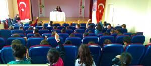 Okulumuzda Türk Edebiyatının önemli yazarlarından Ferda İzbudak Akıncı'yı ağırlıyoruz.