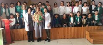 """Değerli velimiz Dr. Sibel Doğan'a 2.sınıf öğrencilerimize """"Sağlıklı Hayat"""" konulu sunumu yaptığı ve öğrencilerimizin sorularını cevapladığı için çok teşekkür ederiz."""